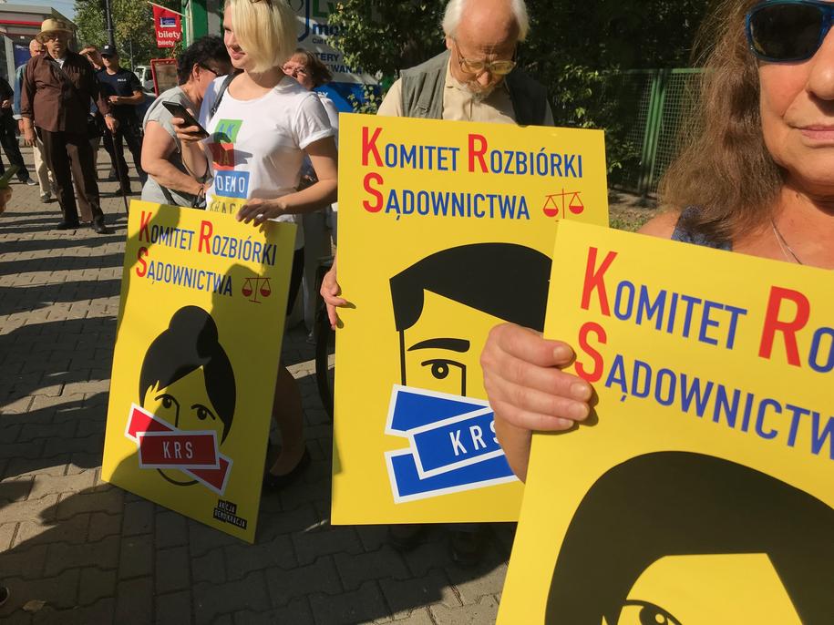 Demonstracja poparcia dla przesłuchiwanych sędziów /Tomasz Skory  /RMF FM