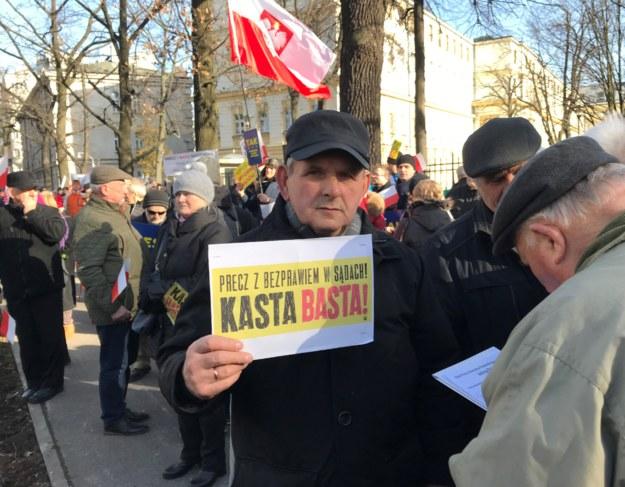 Demonstracja poparcia dla rządowej reformy sądownictwa /Krzysztof Zasada /RMF FM