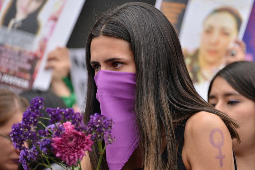 Demonstracja przeciwko przemocy wobec kobiet - po zamordowaniu 25-letniej Ingrid Escamilli, zasztyletowanej, a następnie obdartej ze skóry przez swojego partnera /Getty Images