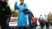 Demonstracja Solidarności i OPZZ przed kancelarią premiera