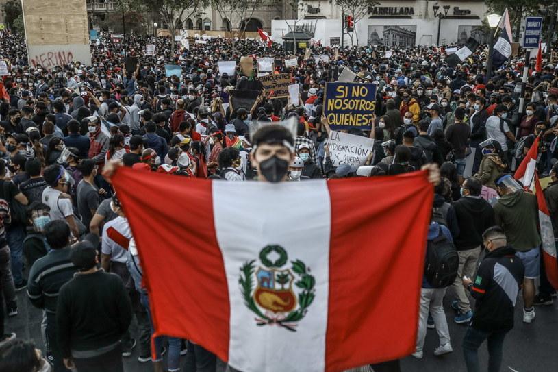 Demonstracje antyprezydenckie w stolicy Peru Limie. /ALDAIR MEJIA /PAP/EPA
