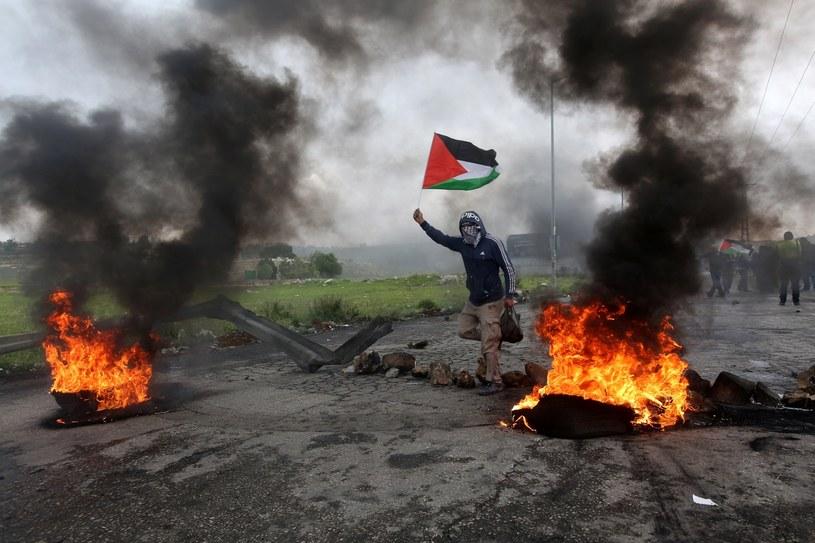 Demonstracje na granicy palestyńsko-izraelskiej /ALAA BADARNEH  /PAP/EPA