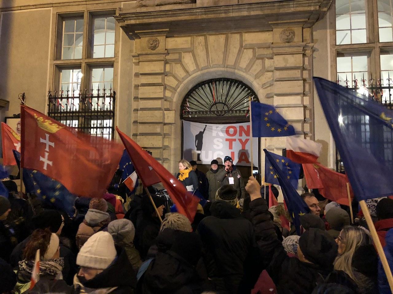 Demonstracje po zawieszeniu Juszczyszyna: My nie możemy ulegać naciskom