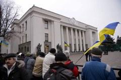 Demonstranci na ulicach Kijowa