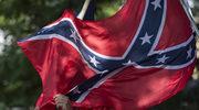 Demonstranci obalili pomnik żołnierzy Konfederacji