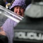 Demonstranci oskarżają policję o brutalność