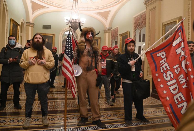 Demonstranci wewnątrz Kapitolu; zdj. ilustracyjne /AFP