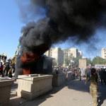 Demonstranci zaatakowali ambasadę USA w Bagdadzie. Placówka ewakuowana