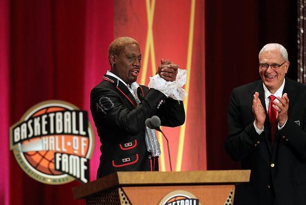 Dennis Rodman odbiera nominację do koszykarskiej Galerii Sławy /AFP