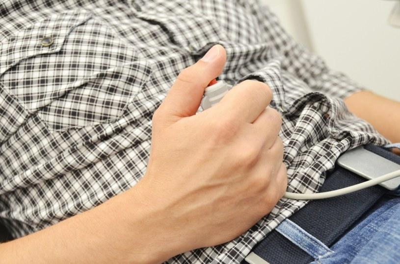 Dental Button - urządzenie, które umożliwia pacjentowi samodzielne zatrzymanie pracy wiertła np. w momencie silnego stresu. /materiały prasowe