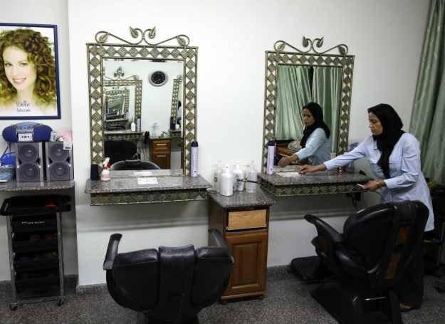 Depilacja woskiem jest bardzo popularna na wschodzie /AFP