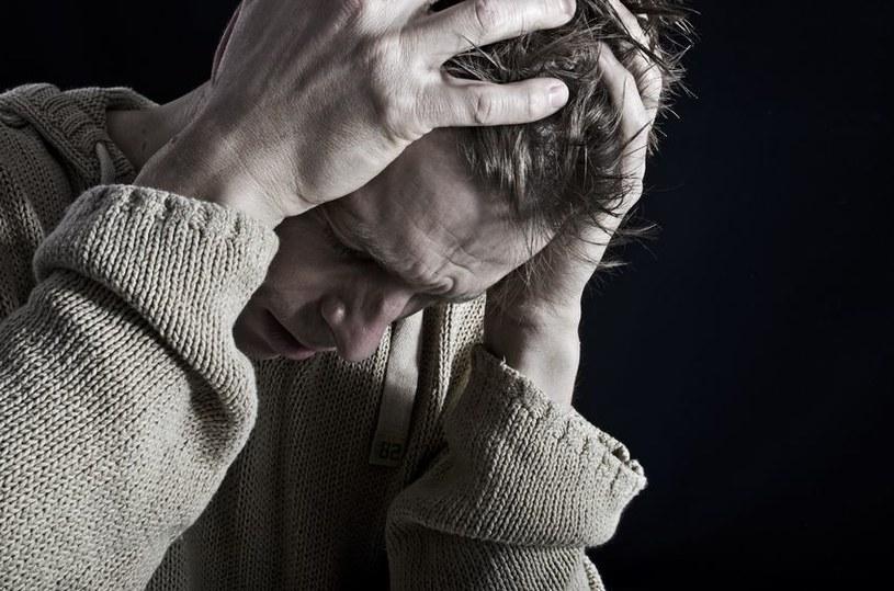 Depresja czasami może zwiastować coś znacznie gorszego /123RF/PICSEL