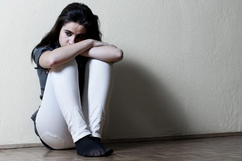 Depresja to bardzo grożna choroba - nie można jej ignorować /123RF/PICSEL