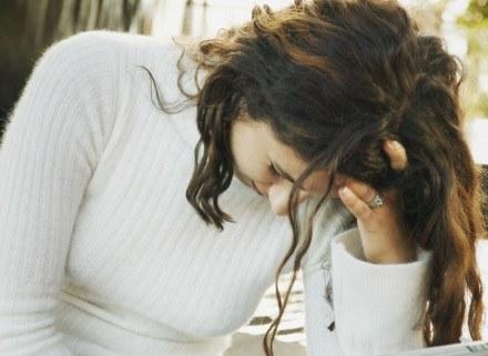 Depresja to choroba i należy ją leczyć /ThetaXstock