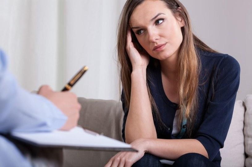 Depresja wymaga leczenia /123RF/PICSEL