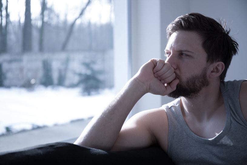 Depresji poporodowej u mężczyzn nikt się nie spodziewa /123RF/PICSEL