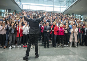 Deputowani SPD na zdjęciu bez maseczek. Kara może wynieść nawet milion euro