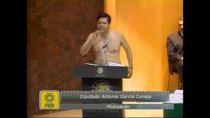 Deputowany Antonio Garcia Coneja. /TVN24/x-news
