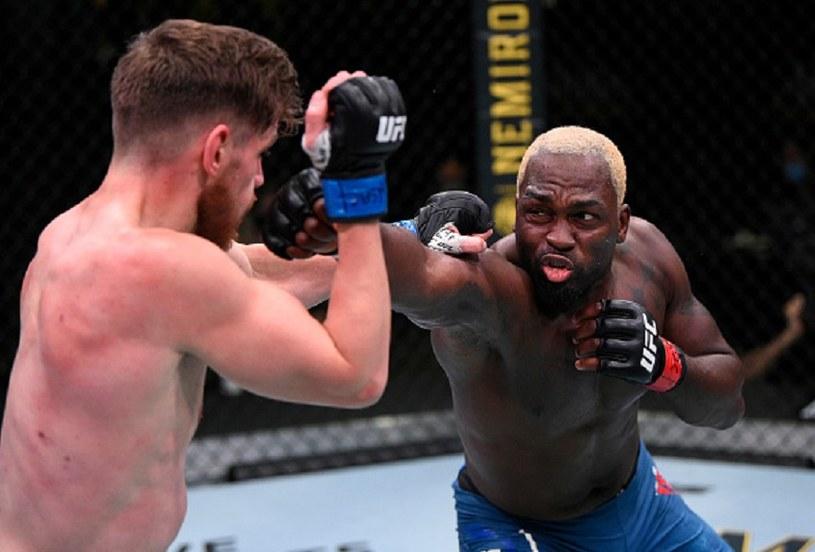 Derek Brunson (z prawej) łatwo pokonał Edmena Shahbazyana /Chris Unger/Zuffa LLC via Getty Images /Getty Images