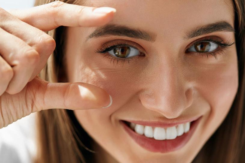 Dermatolog trafnie określi rodzaj naszej skóry. Dobrze to wiedzieć przed zakupem kosmetyków /123RF/PICSEL