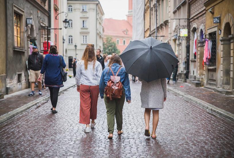 Deszcz zostanie z nami na dłużej /123RF/PICSEL