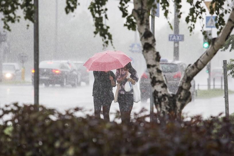 Deszczowa aura w całym kraju /Andrzej Hulimka  /Reporter