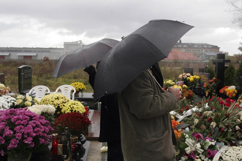 Deszczowy 1 listopada /Krzysztof Kuczyk /Agencja FORUM