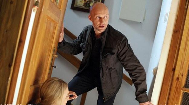 Detektyw włamie się do domku i… spróbuje porwać małego Wojtka! /www.mjakmilosc.tvp.pl/