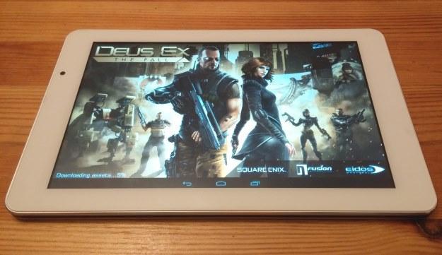"""""""Deus Ex: The Fall"""" - jedna z najnowszych gier, jakie testowaliśmy na  Modecom FreeTAB 9000 IPS IC. Chodziła bez problemów /INTERIA.PL"""