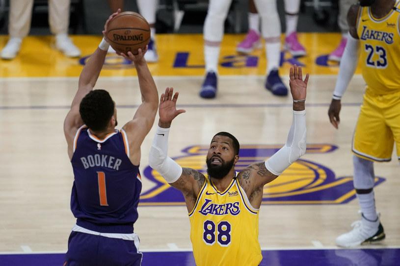 Devin Booker błyszczał na parkiecie w ostatnim starciu z Lakers /AP/Associated Press/East News /East News