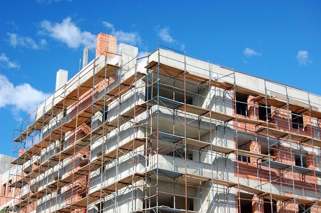 Deweloperzy budują coraz więcej mieszkań /© Panthermedia