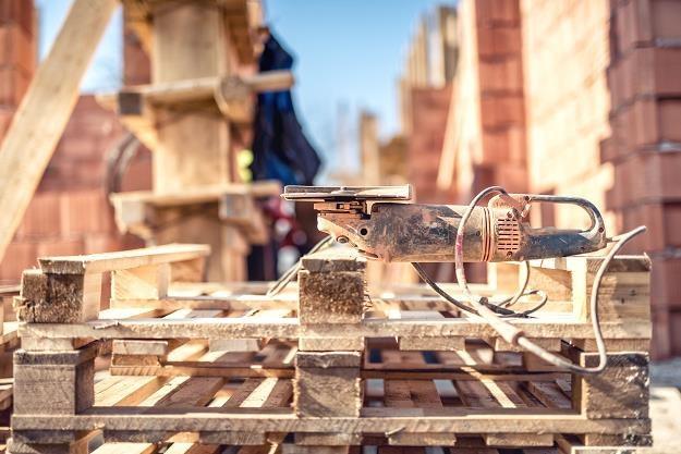 Deweloperzy chętnie budują na działkach w użytkowaniu wieczystym /©123RF/PICSEL