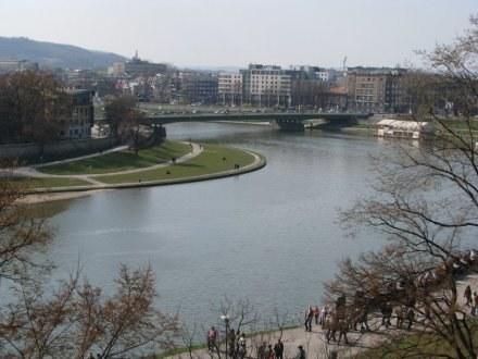 Deweloperzy coraz chętniej budują w pobliżu rzek /INTERIA.PL