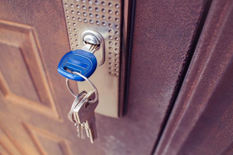 Deweloperzy obniżyli ceny transakcyjne mieszkań /123RF/PICSEL
