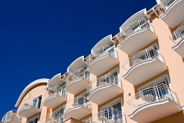 Deweloperzy przewidują wzrost liczby nowych mieszkań dostępnych na rynku /© Panthermedia