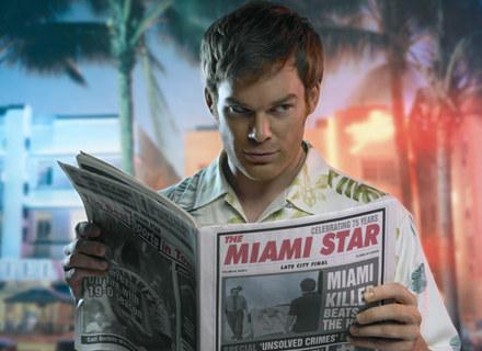 Dexter (Michael C. Hall) - z pewnością najbardziej lubiany seryjny morderca /materiały prasowe