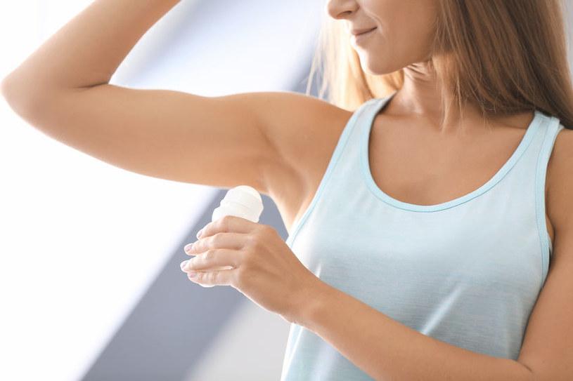 Dezodorant w kulce /©123RF/PICSEL