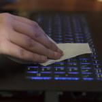 Dezynfekcja klawiatury, komputera, myszki i słuchawek - jak to zrobić?