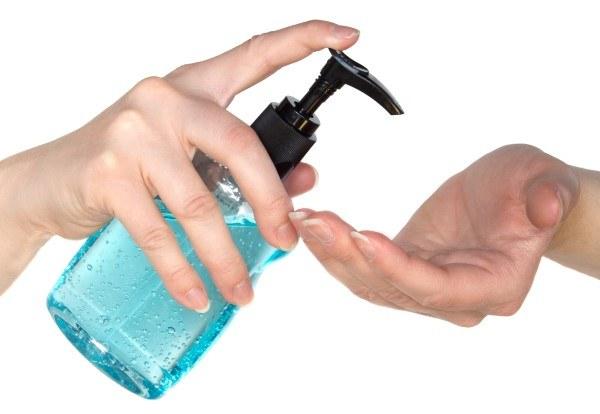 dezynfekcja rąk /© Photogenica