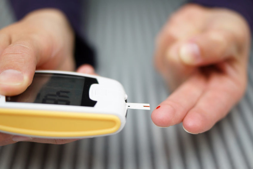 Diabetycy mogą sięgać po oligofruktozę /123RF/PICSEL