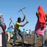 """""""Diamentowa gorączka"""" w RPA! Tysiące ludzi chwyciły za łopaty!"""