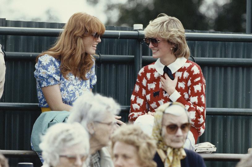 Diana i Sarah Ferguson były dobrymi przyjaciółkami. Do dziś była żona księcia Andrzeja nie pogodziła się ze śmiercią Diany / Georges De Keerle / Contributor /Getty Images