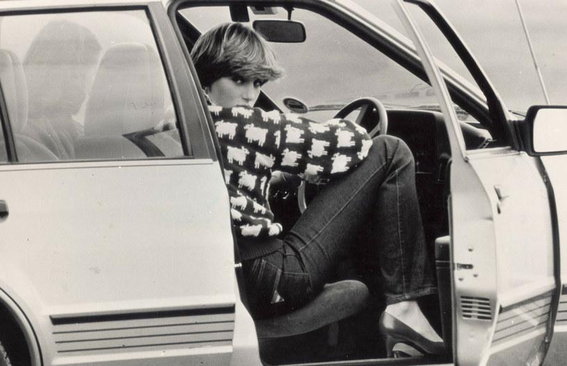 Diana w słynnym sweterku w owieczki, który znów jest hitem /East News /East News