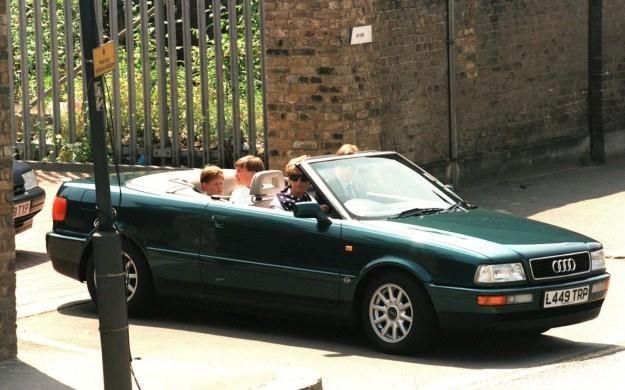Diana w swoim Audi /