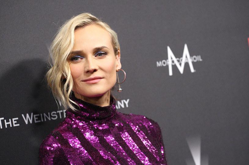 Diane Kruger zdecydowała się na najmodniejsze cięcie sezonu: lekko wystrzępionego na końcówkach boba. Na co dzień ta fryzura nie wymaga wiele uwagi. /Getty Images