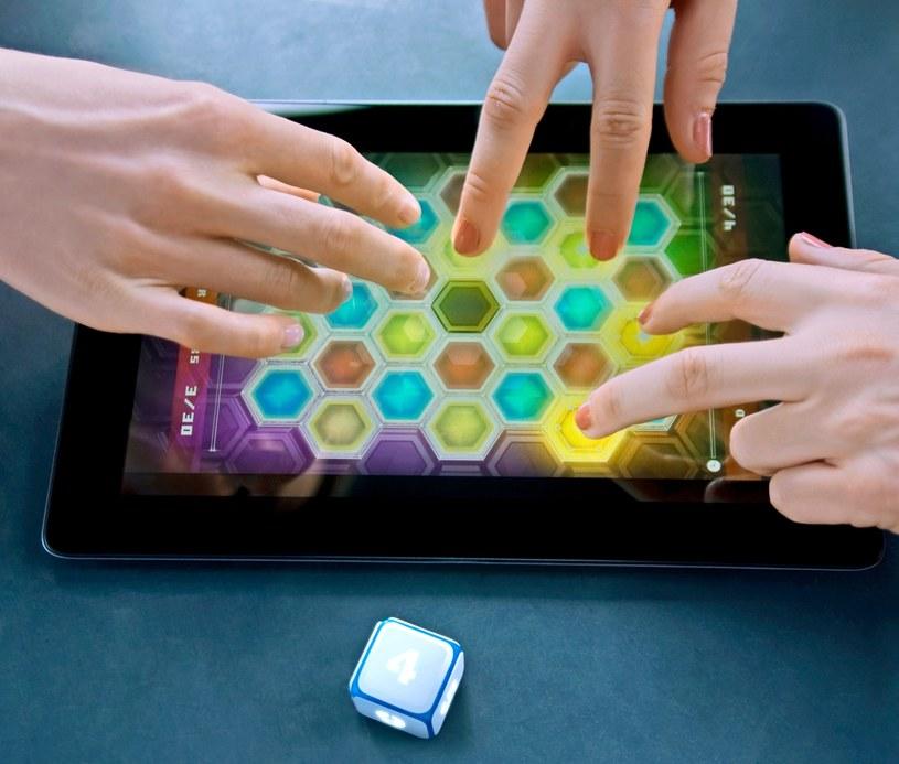 DICE+ jest nowoczesną wersją tradycyjnej kostki do gry /materiały prasowe