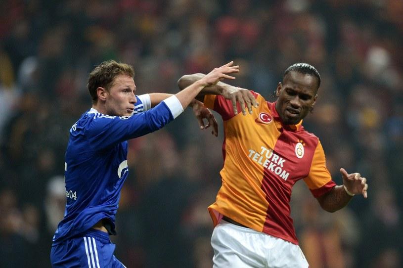 Didier Drogba (z prawej) /AFP