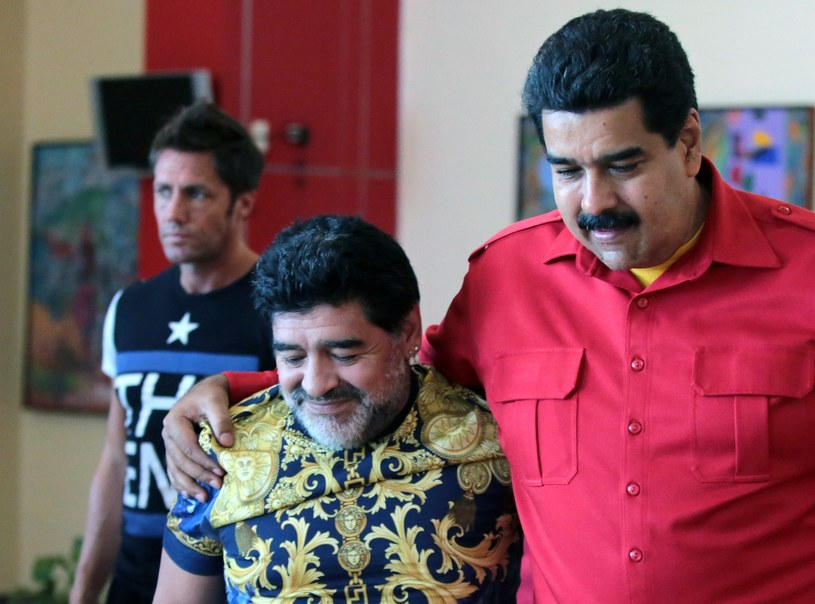 Diego Armando Maradona (L) i prezydent Wenezueli Nicolas Maduro (P) /francisco batista /AFP