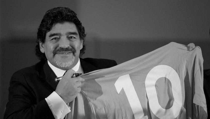 Diego Maradona nie żyje. Andre Villas-Boas chce zastrzeżenia numeru 10