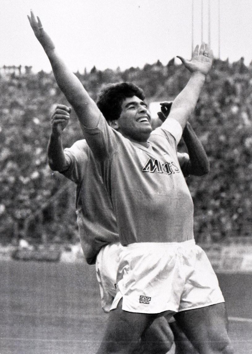 Diego Maradona w barwach Napoli /PAP/EPA